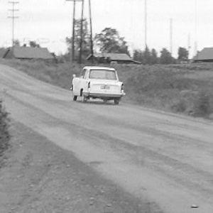 Karpo ajaa Jyväskylän rallireitillä.