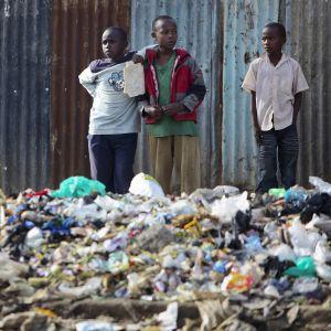 Muovipussit kiellettiin Keniassa.