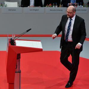 SPD:n puheenjohtaja Martin Schulz puolueensa ylimääräisessä puoluekokouksessa Bonnissa.