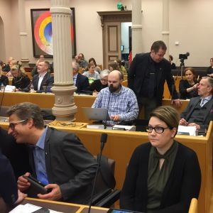 Oulun kaupunginvaltuusto kokouksessaan.