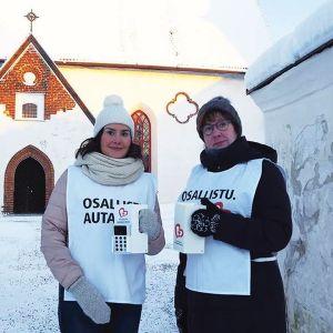 Uudenlainen digilipas on käytössä muun muassa Porvoon suomalaisen seurakunnan Yhteisvastuukerääjillä.