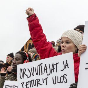 mielenosoitus 2. 2. Helsingin Senaatintori