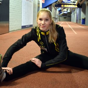 Jessica Kähärä on ikäluokkansa tilastoykkönen hyppylajeissa.