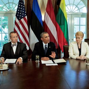 Viron presidentti Toomas Hendrik Ilves, Latvian presidentti Andris Bērziņš, Yhdysvaltain presidentti Barack Obama, Liettuan presidentti Dalia Grybauskaitė ja Yhdysvaltain varapresidentti Joe Biden.
