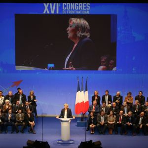 Äärioikeistolaisen Kansallinen rintama -puolueen puheenjohtaja Marine Le Pen.