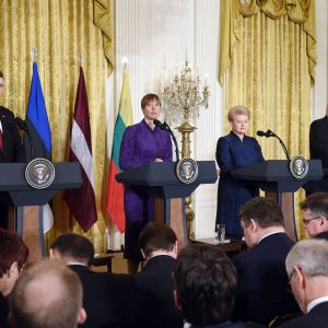 Raimonds Vejonis, Kersti Kaljulaid, Dalia Grybauskaite ja Donald Trump.
