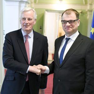 Brexit-neuvottelija Michel Barnier ja Juha Sipilä