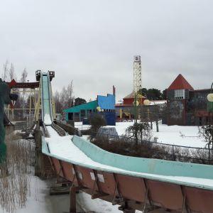 Wasalandian tukkijoki lumisessa maisemassa
