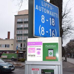 Lippuautomaatti pysäköintiautomaatti Porissa Eetunaukiolla