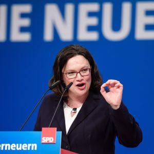 Andrea Nahles puhui SPD:n puoluekokouksessa sunnuntaina 22. huhtikuuta 2018.