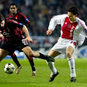 Jari Litmanen Ajaxin pelipaidassa vuonna 2003.