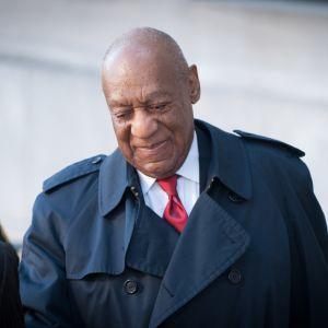 Bill Cosby saapumassa oikeudenkäyntiin huhtikuussa 2018