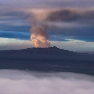 Kīlauea-tulivuoren savua 2. toukokuuta.