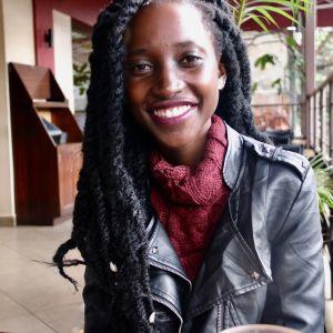 June Barasa kahvilassa Nairobin keskustassa