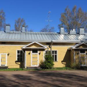 Komendantin talo