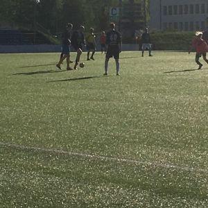 MyPan juniorit toimivat hyväntekeväisyysottelussa pallopoikina.
