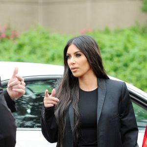 Kim Kardashian menossa Valkoiseen taloon Washingtonissa.