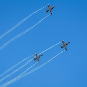Lentonäytös oli yksi osa Puolustusvoimain lippujuhlan päivän juhlintaa Seinäjoella.