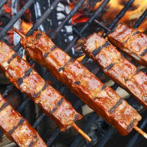 Lihavartaiden grillausta.