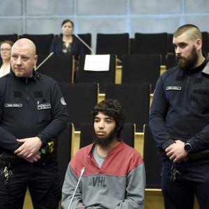 Syytetty osallistui huhtikuussa alkaneeseen oikeudenkäyntiin Turussa.