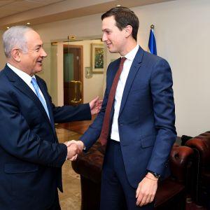 Trumpin neuvonantaja Jared Kushner tapasi matkallaan muun muassa Israelin pääministerin Benjamin Netanjahun 22. kesäkuuta.