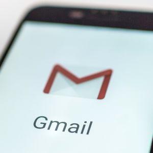 Trots riskerna bildt anvander gmail
