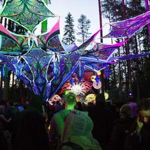 Kosmos Festival, Ristiina, metsäfestivaali, psykedelia, dekoraatio