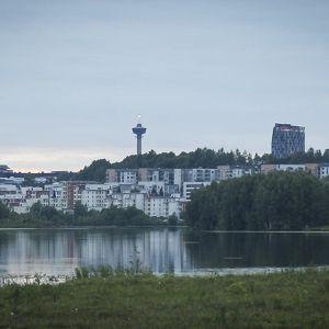 Tampereen siluetti Iidesjärveltä päin