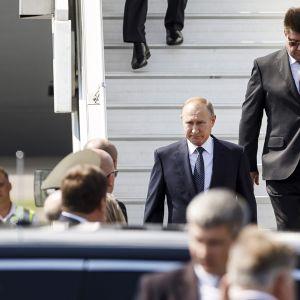 Venäjän presidentti Vladimir Putin kuvattuna saapuessaan Helsinki-Vantaan lentokentälle 16. heinäkuuta.
