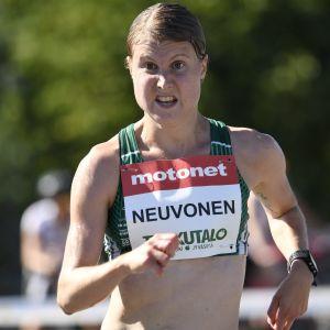 Elisa Neuvonen.