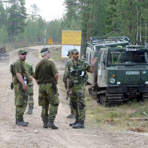 Metsäpalojen sammutusryhmä kokoontuu Älvdalenin harjoitusammunta-alueella