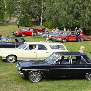 Toripäivien suosikkeja oli Hot Rodders Polvijärven harrasteajoneuvoparkki.