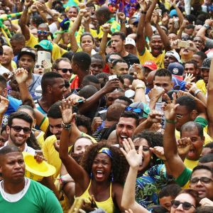 Brasilialaisia jalkapallofaneja.