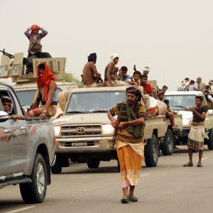 Jemenin hallituksen joukkoja lähellä Hodeidan satakaupunkia, Jemenissä.