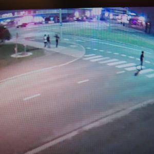 Poliisi kaipaa vihjeitä valvontakameran kuvassa näkyvien henkilöiden tunnistamiseksi.
