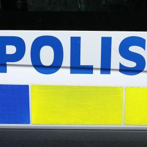 Ruotsalainen poliisiauto.