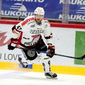 Mikko Mäenpää, JYP