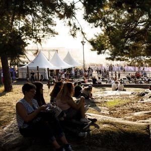 Yleisöä Weekend Festival 2018 -tapahtumassa Helsingissä.