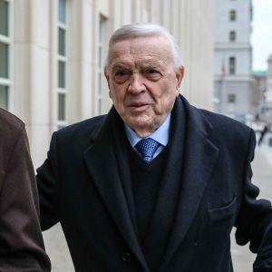 Jose Maria Marin saapuu oikeuteen.