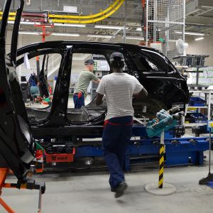 Autonrakennusta Uudenkaupungin autotehtaalla