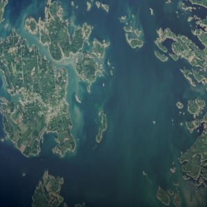 satelliittikuva Bergön saaristosta,Maanantaina 3.9.  otettu satelliittikuva paljastaa, että sinilevää on laajalla alueella Merenkurkussa Bergön saaristossa.