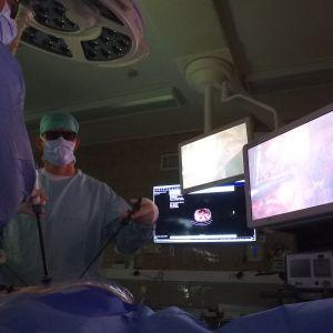 Syövän 3D-tähystysleikkaus Keski-Suomen keskussairaalassa.
