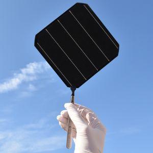 Aurinkopaneeli.