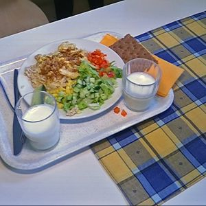 Antti Taipale kouluruokalassa