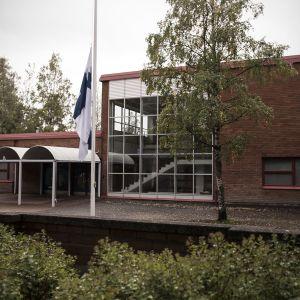 Tiistilän koulu.