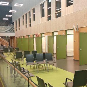 Keskussairaalan uuden laboratorion näytteenottotilat.