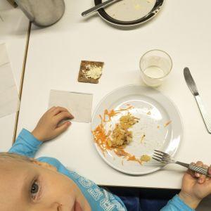 Kouluruoka esikoulu ravinto lapset