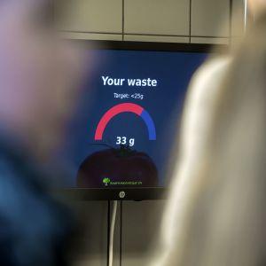 Biovaaka näyttää kuinka monta grammaa ruokaa menee biojätteeseen.