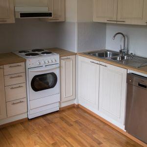 Myynnissä olevan asunnon keittiö