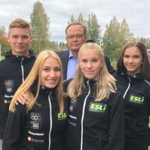 Mikko Kolehmainen toimii kummina Miika Nykäsen, Vilma Viitasen sekä Jessica ja Jasmin Kähärän ryhmälle.